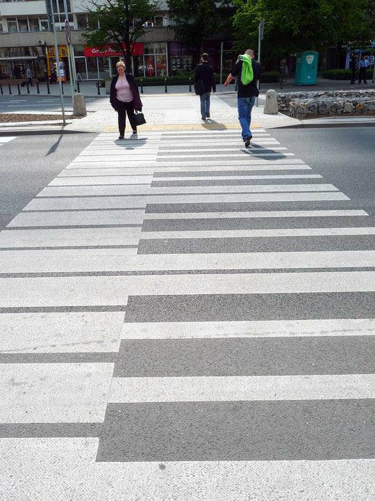 piano crossing on road