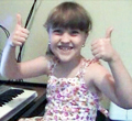savannah at piano thumbs120