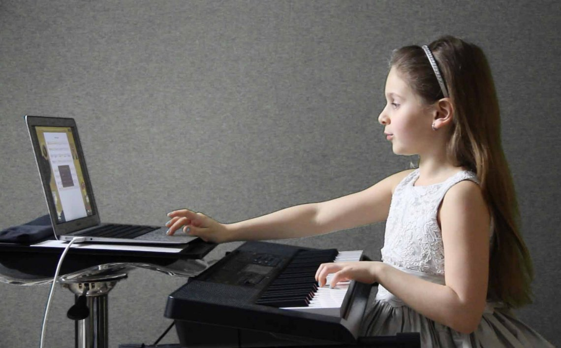 the benefits of piano lessons online with Musiah