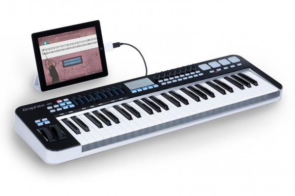MIDI piano keyboard connected to iPad